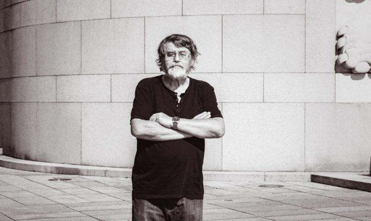 Brilantní byznysový úspěch žižkovské monografie Petra Čorneje na knižním trhu