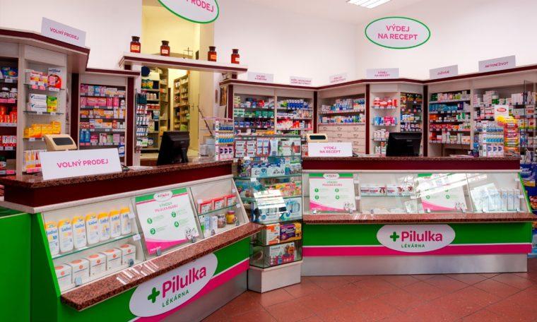 E-shop a prodejny Pilulka zvedly tržby na 2,4 miliardy