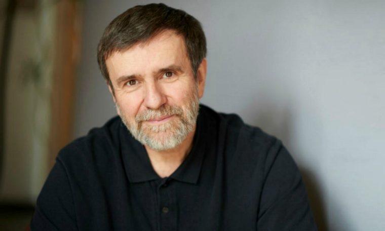 Vlastimil Vondruška vydává třetí díl knižní série Křišťálový klíč