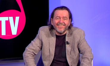 Skupina zakladatele Šlágr TV Peterky přesouvá majetek za stovky milionů
