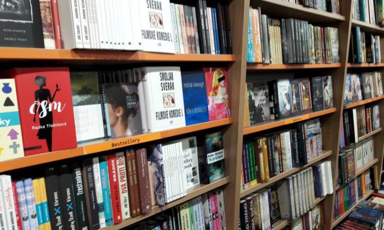 Knihkupci a nakladatelé: knižní trh letos ztratí až 3 miliardy obratu