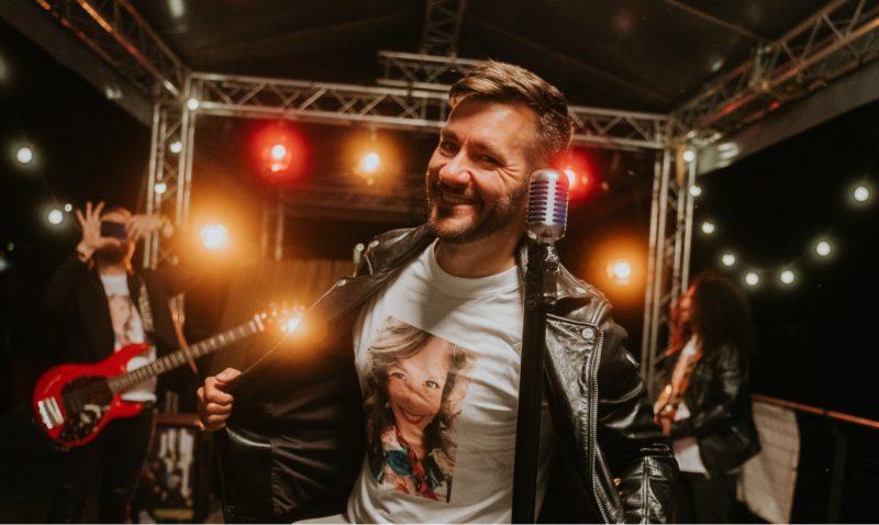 Zpěvák Marek Ztracený vyjede na speciální koncerty Tour de léto