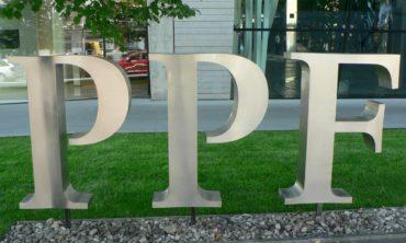 Na účtech skupiny PPF před několika dny přistála hezká dividenda 1,4 miliardy