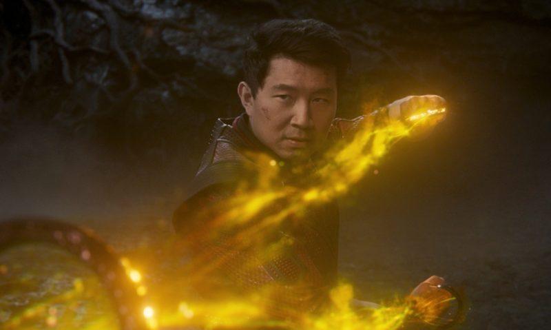 Marvelovka Shang-Chi a legenda o deseti prstenech v kinech utržila přes čtvrt miliardy dolarů