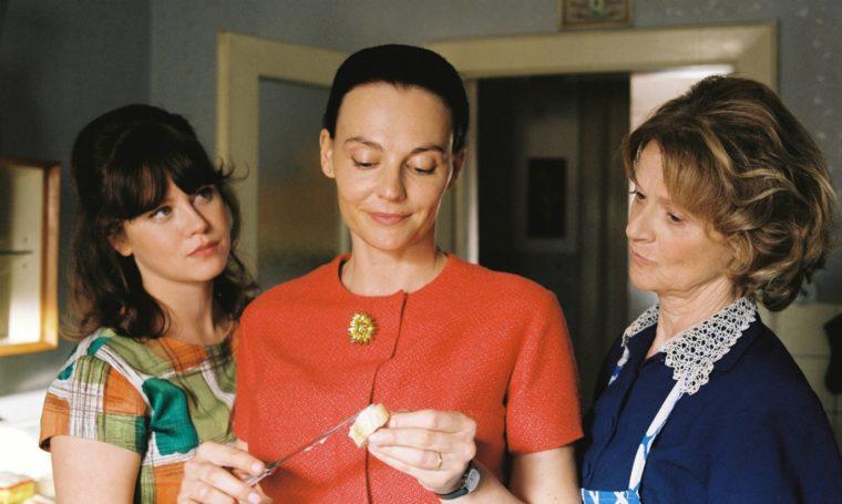 Režisérka Parkanová točí druhý celovečerní film s Fingerem, Polívkou a Mikulkovou